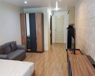 C 136 For Rent Newly renovated Silom Terrace 38 Sq m Fully furniture 5 Min From BTS Salada...